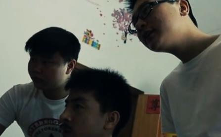 《切糕王子阿迪力》维族青年阿迪力在湖南的创业故事