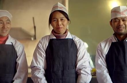《一顿特别的午餐》关注留守儿童催泪微电影